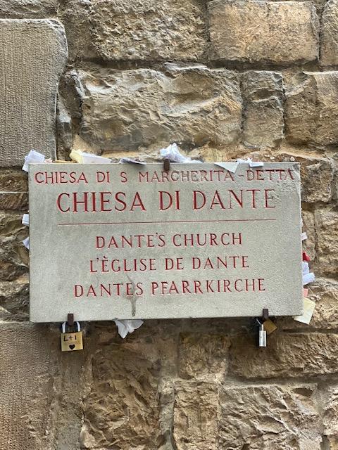 Церквушка, где Данте полюбил Беатриче