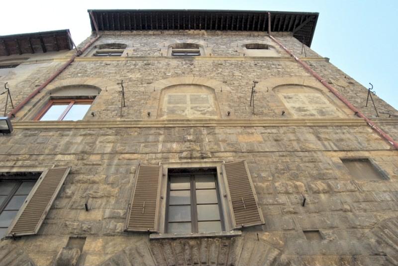 Здание бывшей гостиницы Черный Орел.