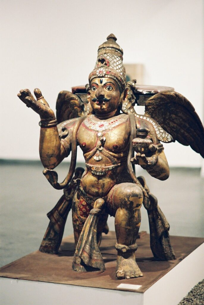 Индийский бог Гаруда. Дели